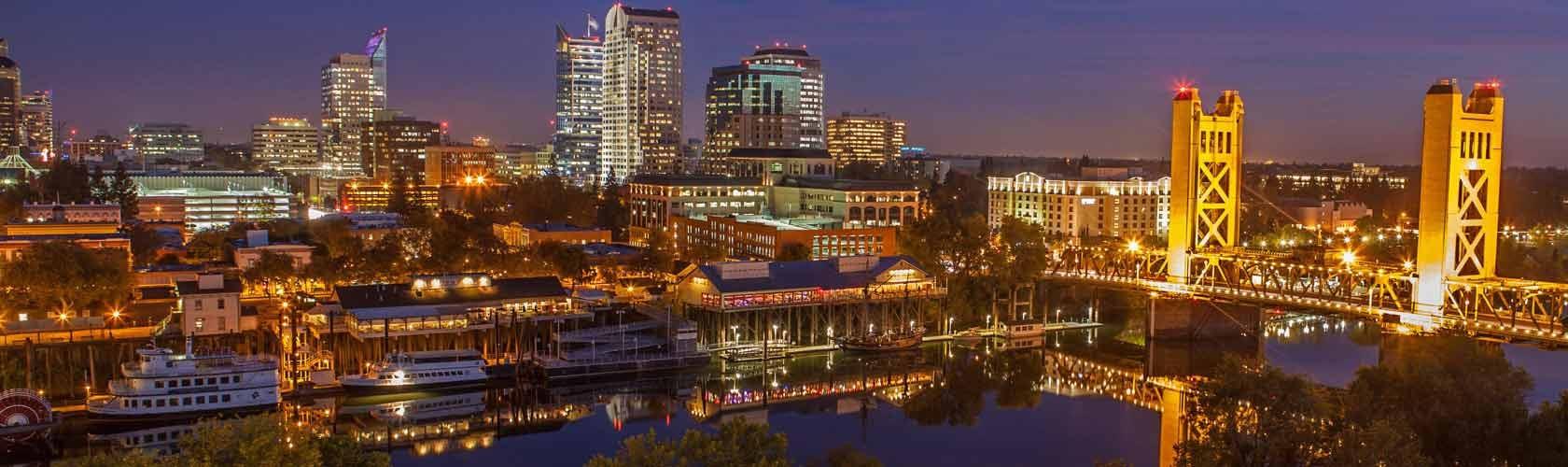 Sacramento_Skyline_at_Night
